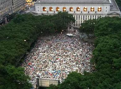 Bryant Park, Monday night film series