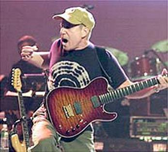 Paul Simon rocks out
