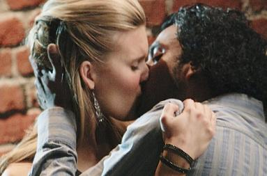 Shannon and Sayid make out on Lost